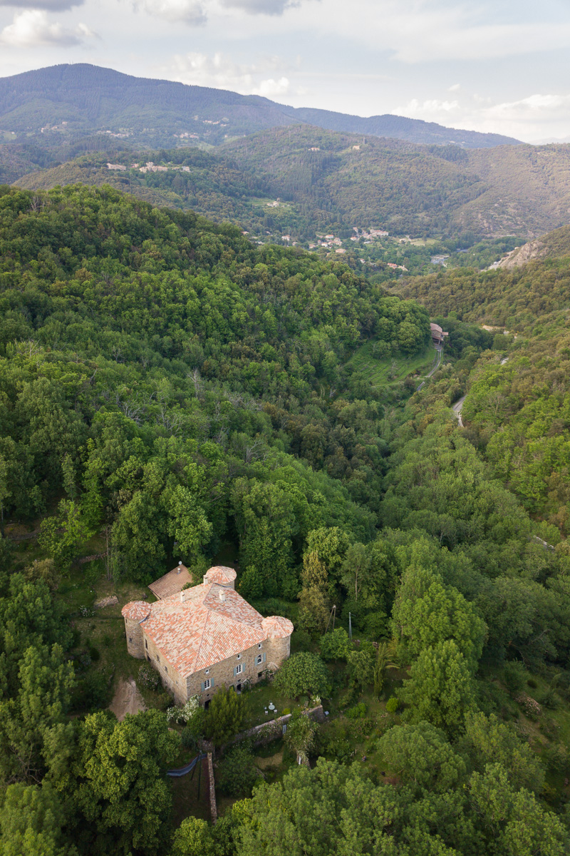 Château du Pin- vue par drone - Photo Simon Bugnon