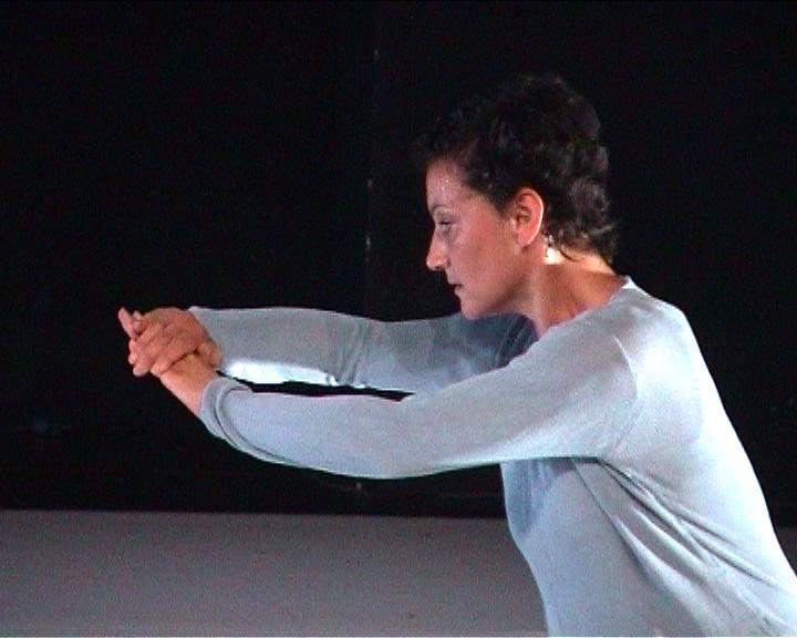 """Sylvie Molina, """"Lecture froissée"""", création, 2004."""